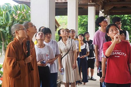 福建省南天普门慈善基金会举行2018年金秋助学发放仪式