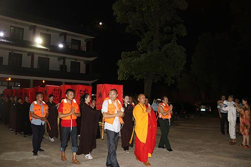 【高清图集】湖南湘阴法华古寺举行盂兰盆传荷花灯祈福法会