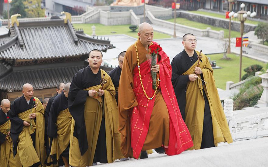 【高清图集】九九重阳节 雪窦山朝拜弥勒圣像 福寿双增