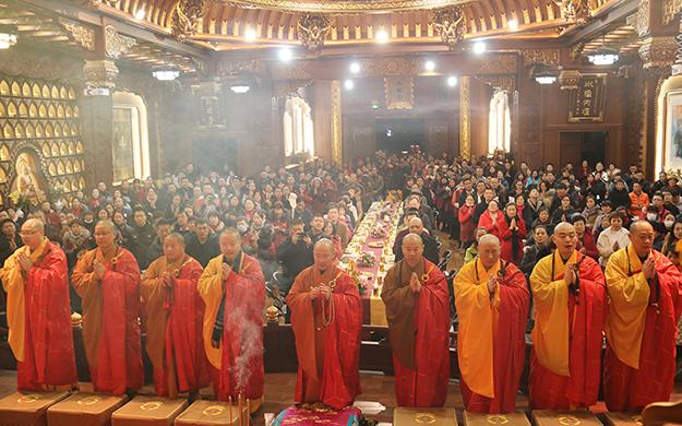【高清图集】携手慈善夜 敲响平安钟 上海地藏古寺举行新年祈福系列活动