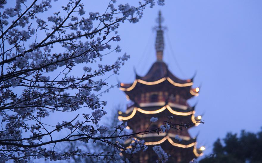 南朝四百八十寺之首——南京鸡鸣寺
