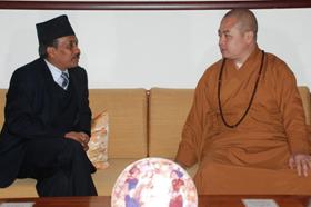 【高清图集】尼泊尔大使Mr.Tanka Prasad Karki拜会宽旭法师