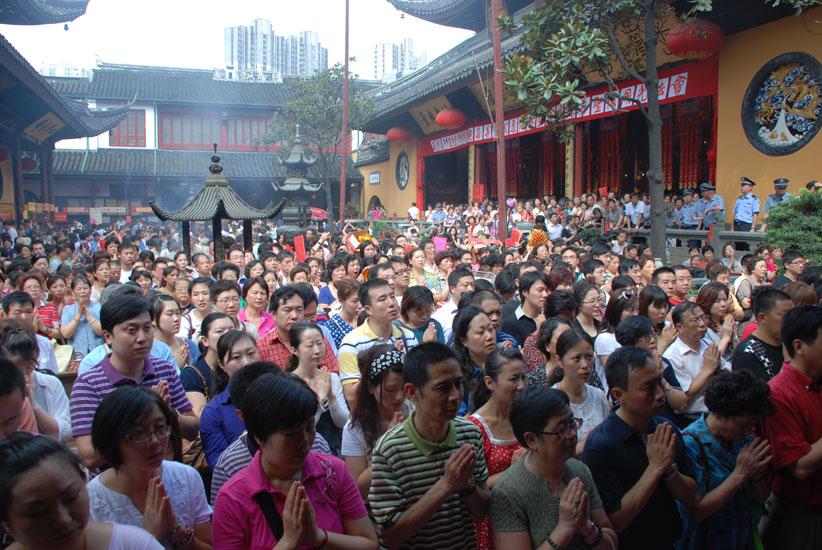 【高清图集】上海玉佛寺举行观音成道日普佛法会