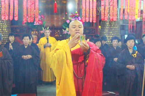 菩萨快报:上海性觉寺供佛斋天 祈请诸天降临坛场