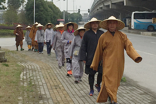 菩萨快报:延寿寺行脚团行至苏州妙悟法师驱车慰问