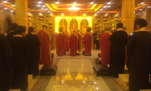 直播回顾:鹰潭第一届佛教文化节在月岩禅寺举行