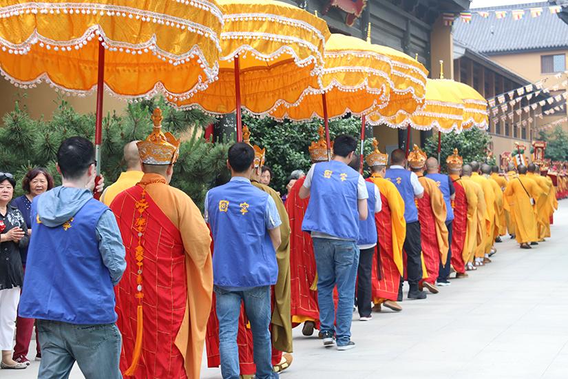 【高清图集】上海宁国禅寺水陆普度大斋胜会圆满送圣 数百信众至诚祈愿