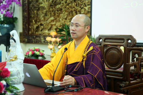 上海佛教界尼众讲经交流会 悟端法师宣讲《禅在当代 律在千秋》