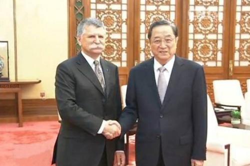 """俞正声会见匈牙利国会主席 呼吁共建""""一带一路"""""""