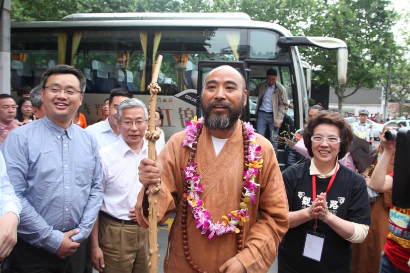 【高清图集】静安寺行脚僧团归抵上海 十七春秋愿心成满