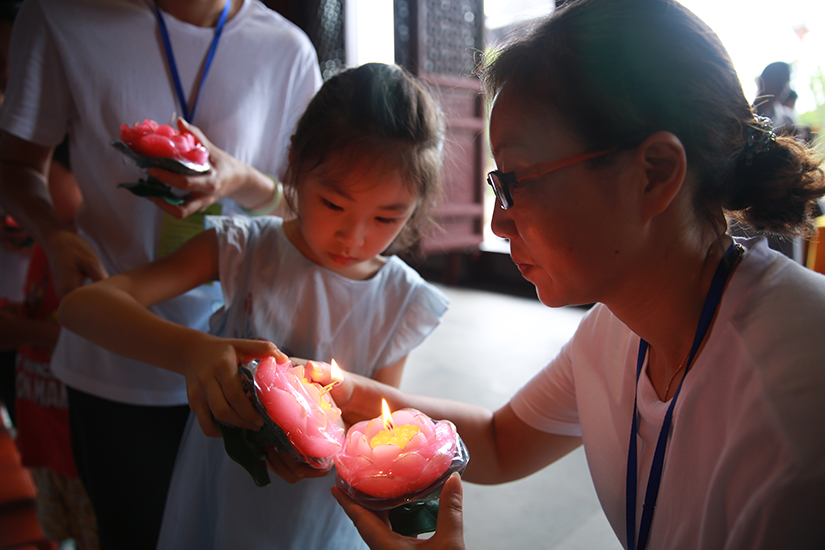 【高清图集】感受和合精神 苏州重元寺举行夏令营传灯法会