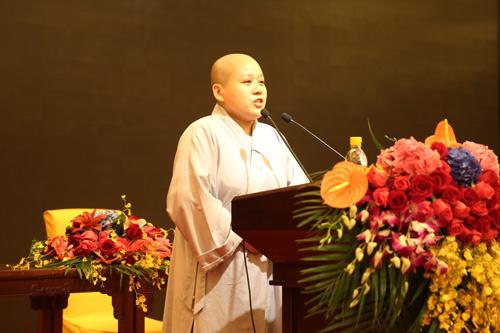上海佛教讲经交流会 佛学院尼众隆续法师宣讲《如何认识因果》