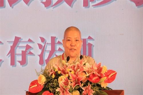 广西崇左市佛教协会会长文存娱乐老虎机宣讲《如何依教修学》