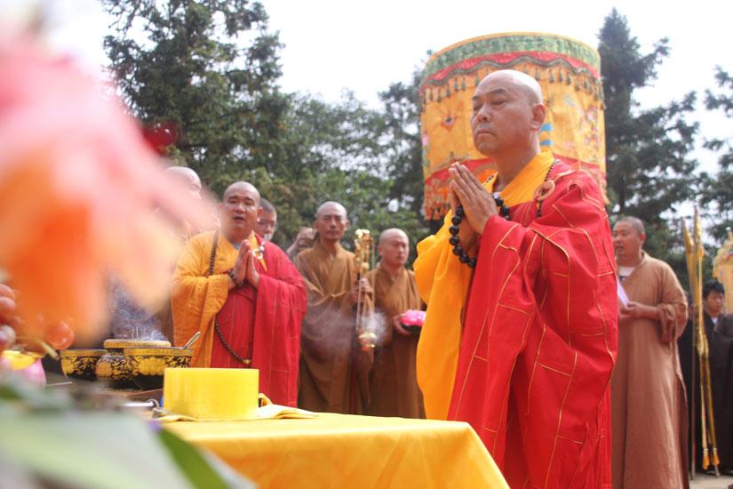 【高清图集】弘扬《大藏经》传播正能量 寂灭法师发宏愿入关12年