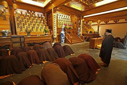 浙江杭州灵隐寺举行冬季禅七法会圆满起七