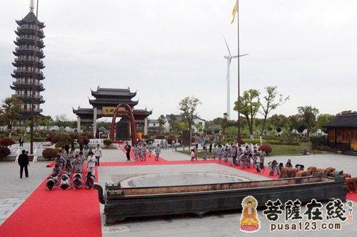 上海金山万寿寺僧俗二众行脚东海观音寺圆满