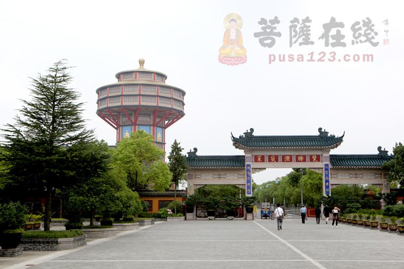 高旻寺位于扬州市南郊古运河与仪扬河交汇处的三汊河口,国家重点保护寺院(图片来源:菩萨在线 摄影:妙梵)