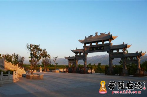 香积寺佛学院在陕西省西安市长安县香积寺内