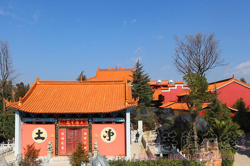 大觉寺全景(图片来源:菩萨在线 摄影:妙静)