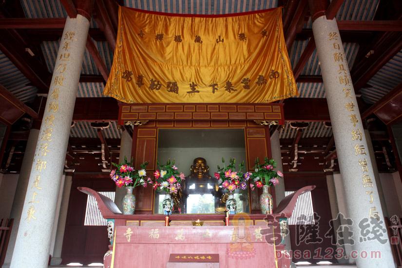 寺院佛像(图片来源:菩萨在线 摄影:妙梵)