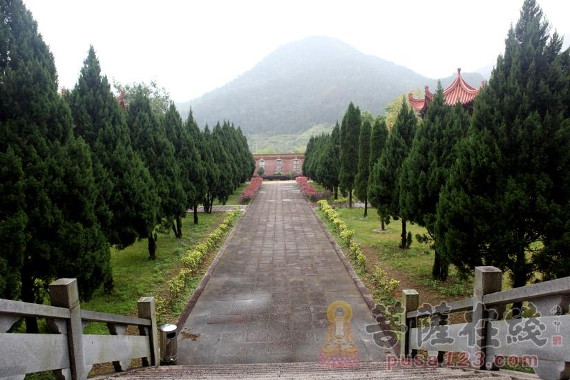 寺院幽静(图片来源:菩萨在线 摄影:妙梵)
