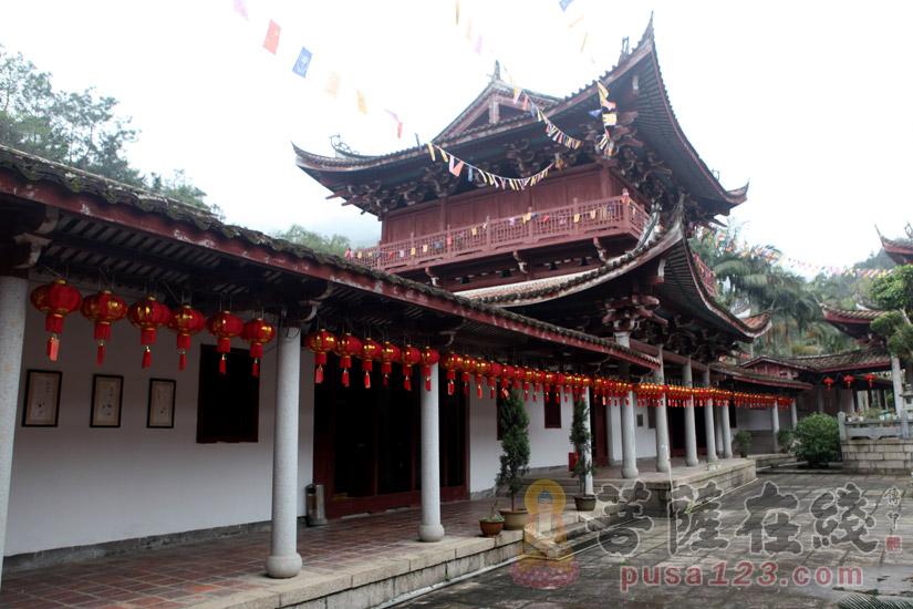 寺院建筑(图片来源:菩萨在线 摄影:妙梵)