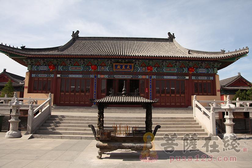 天王殿(图片来源:菩萨在线 摄影:妙双)