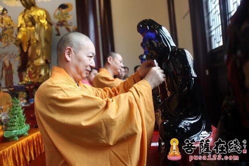 上海宁国禅寺贴金观世音云台视频举行法菩萨圣像v禅寺图片