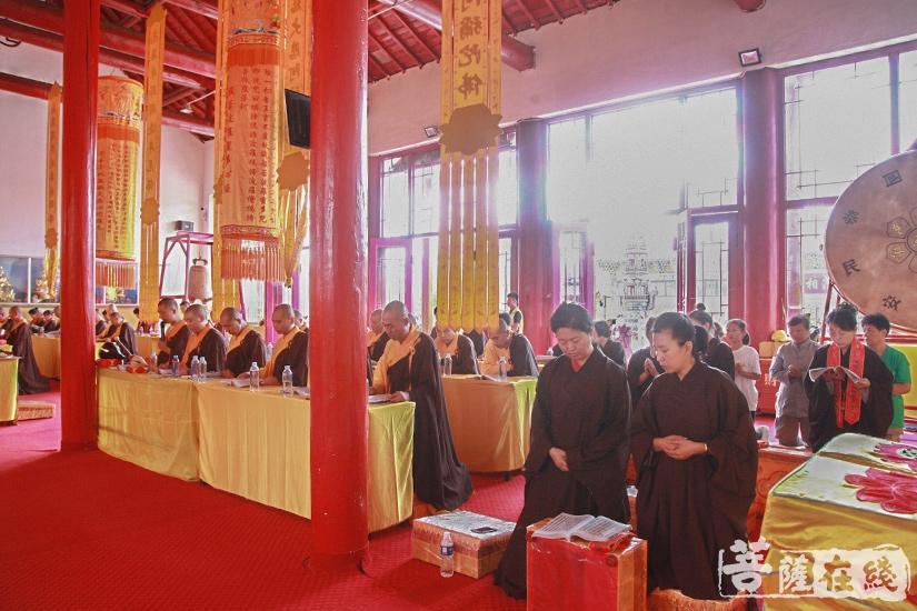 外坛的一切法事以大坛拜忏为前提(图片来源:菩萨在线 摄影:妙澄)