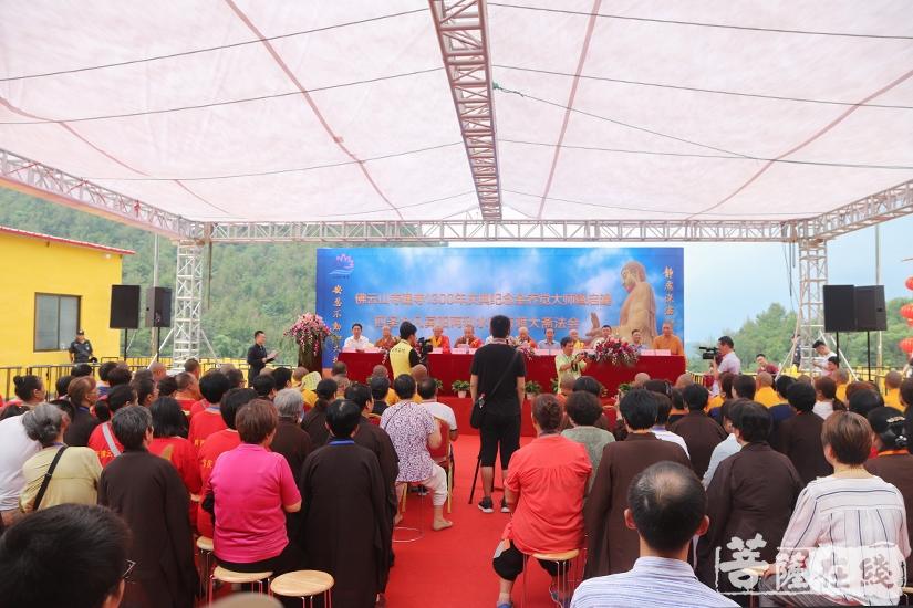 共襄盛举(图片来源:菩萨在线 摄影:妙澄)