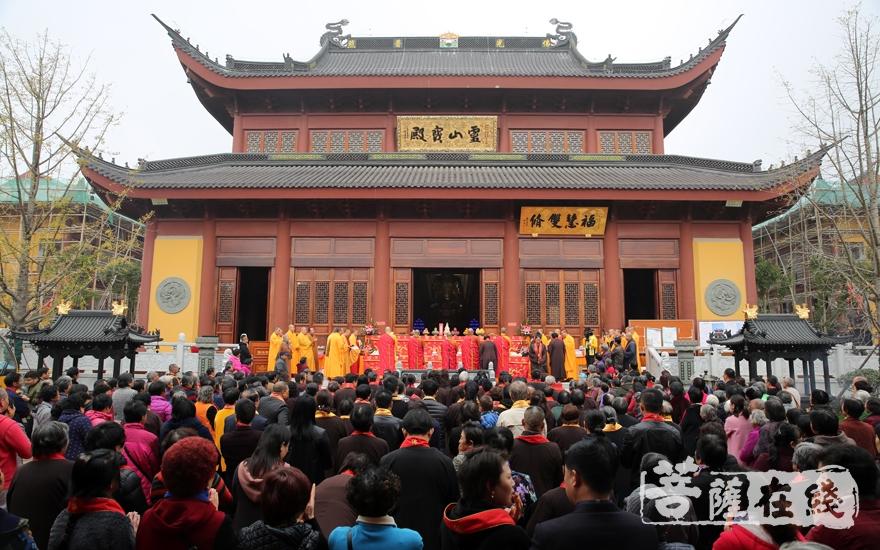 庆典现场(图片来源:菩萨在线 摄影:妙雨)