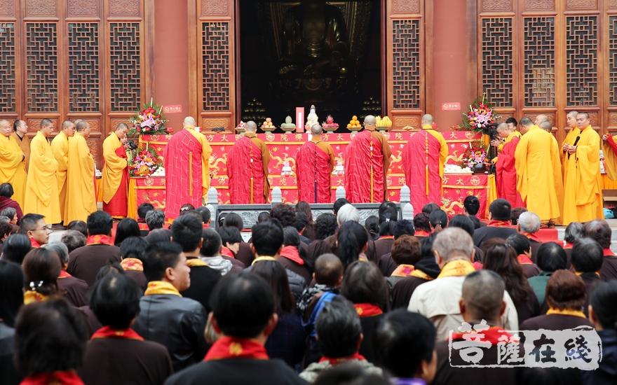 祈愿法界众生福寿康宁(图片来源:菩萨在线 摄影:妙雨)