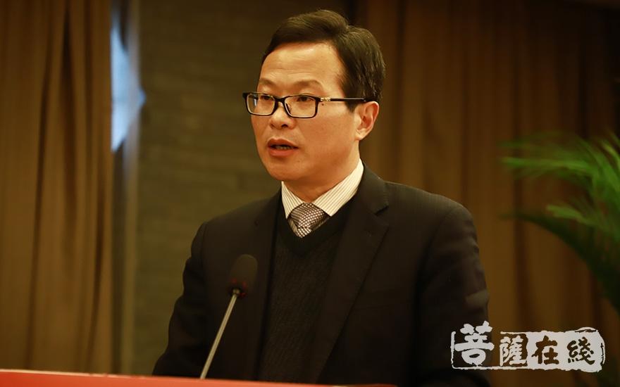 太湖县委书记程志翔代表太湖县委、县政府,对研究会寄予厚望(图片来源:菩萨在线 摄影:妙澄)