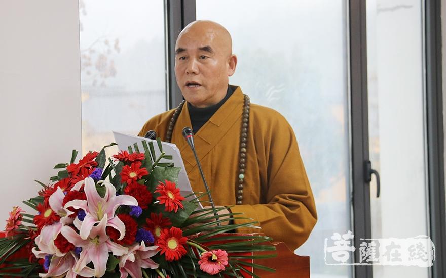 慧庆法师表示将坚定不移地把九华山佛教的优良传统不断发扬光大(图片来源:菩萨在线 摄影:妙月)
