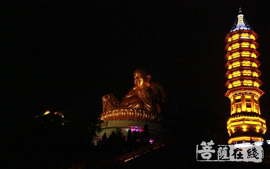 中国佛教五大名山弥勒道场雪窦山(图片来源:菩萨在线 摄影:慧德)