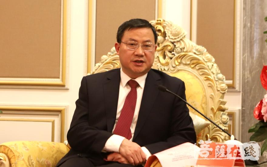 郭才武部长代表市委市政府对预备会议在珠海的顺利召开表示祝贺(图片来源:菩萨在线 摄影:妙静)