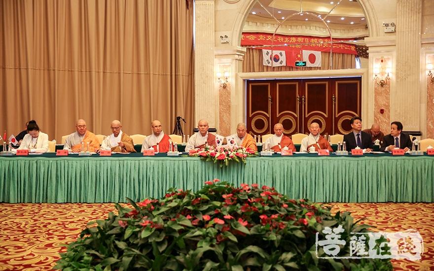 韩国佛教代表团(图片来源:菩萨在线 摄影:果仁)