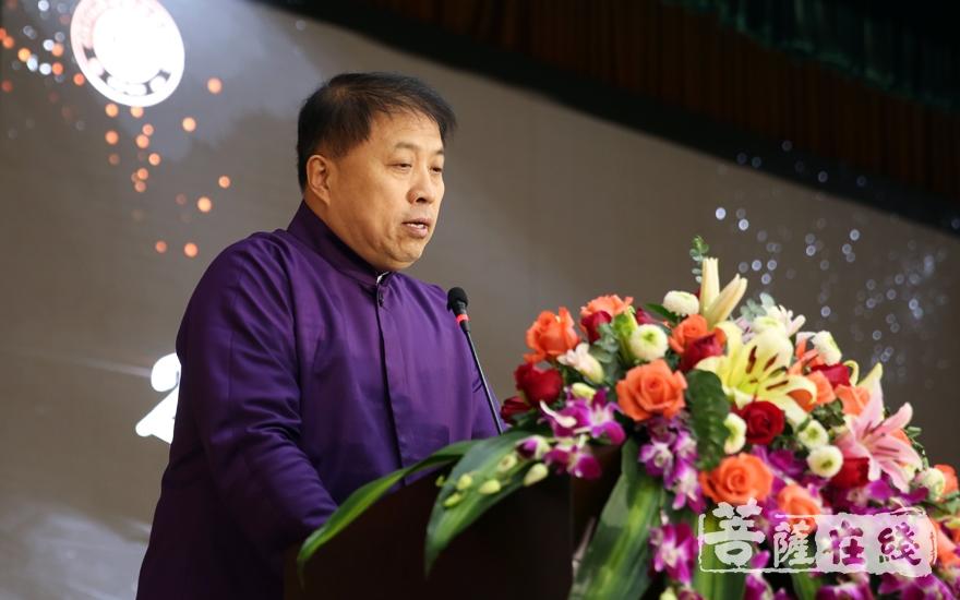 高斌理事长表示,此次在资国寺举办养老论坛是希望把佛教养老和公益事业结合起来(图片来源:菩萨在线 摄影:妙雨)