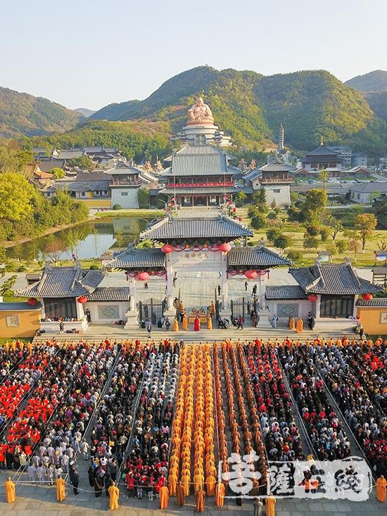 纪念布袋弥勒成道日(图片来源:雪窦山 摄影:悠游)