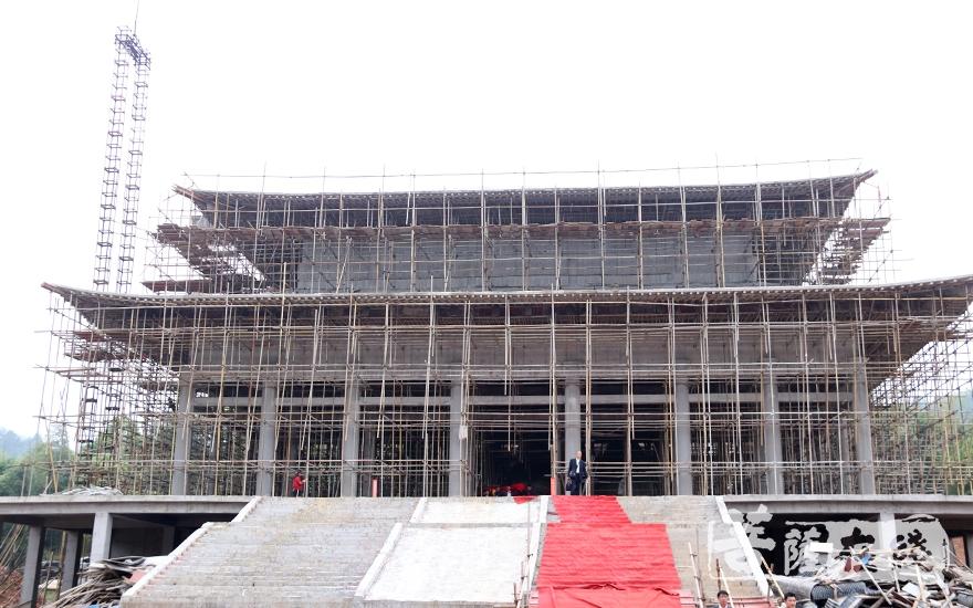 正在建设中的崇寿禅院(图片来源:菩萨在线 摄影:唐雪凤)
