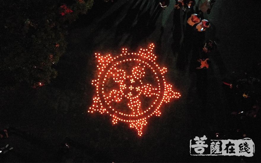 祈愿世界和平、人民安乐(图片来源:菩萨在线 摄影:唐雪凤)