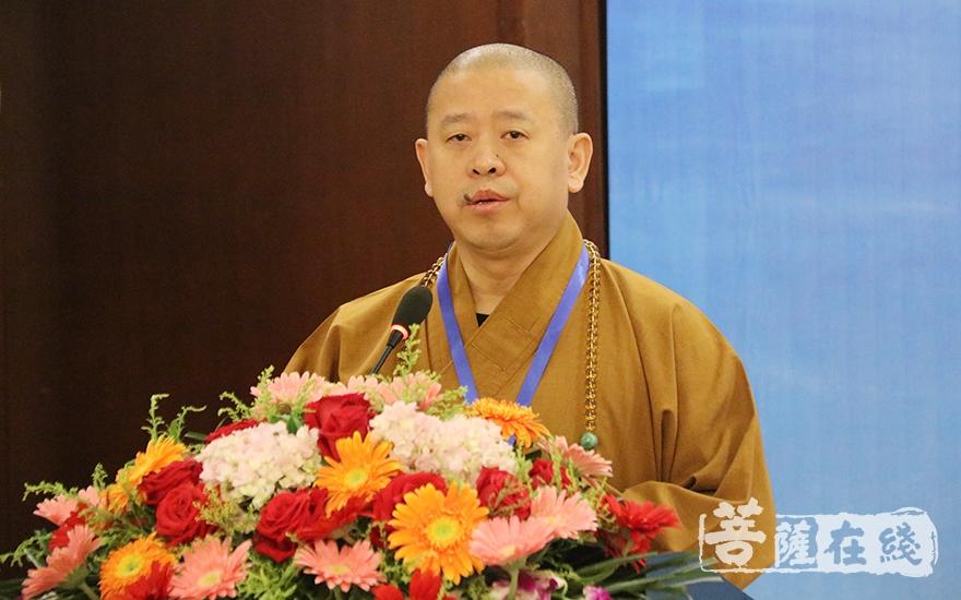 中国佛教协会副会长纯一大和尚希望宜春佛教界共同携手,打造禅宗圣地(图片来源:菩萨在线 摄影:唐雪凤)
