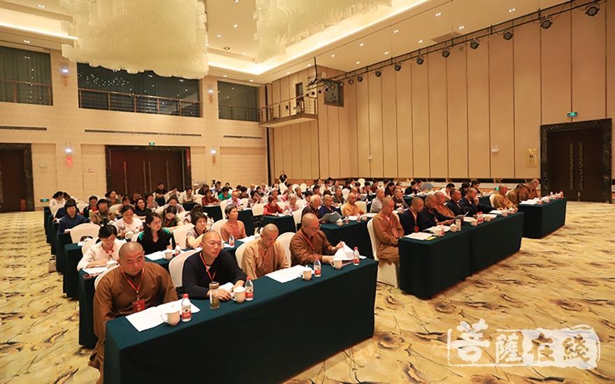 泰兴佛教协会成员(图片来源:菩萨在线 摄影:唐雪凤)