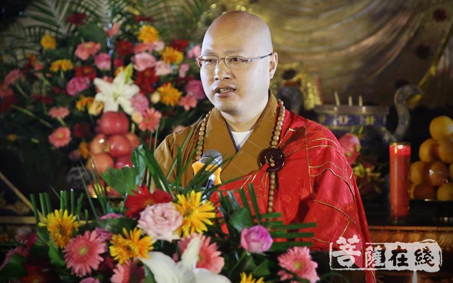 明基大和尚表示,如何发扬禅宗文化是僧众的重要课题(图片来源:菩萨在线 摄影:唐林雪)