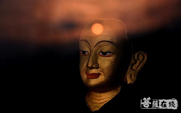 佛像、大光圈、佛头、夜晚-梁仁冬--(2).jpg