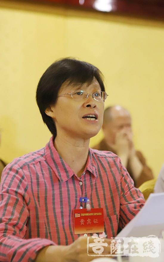 郭梅香副部长对新一届领导班子提出三点希望(图片来源:菩萨在线 摄影:贺雪垠)