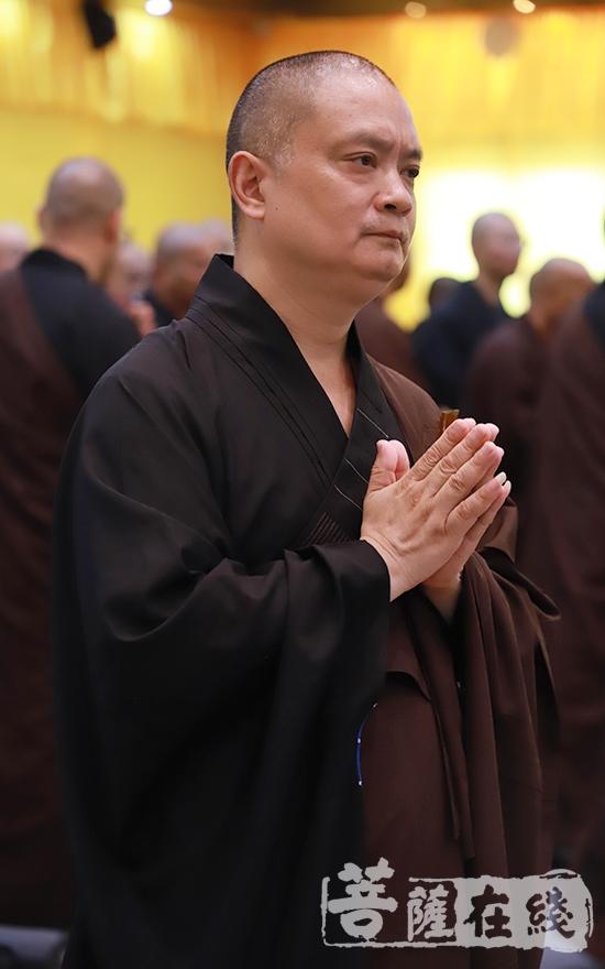 达胜法师缅怀恩师(图片来源:菩萨在线 摄影:王颖)