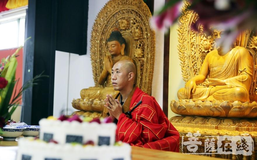上堂大齋儀式(圖片來源:菩薩在線 攝影:李蘊雨)