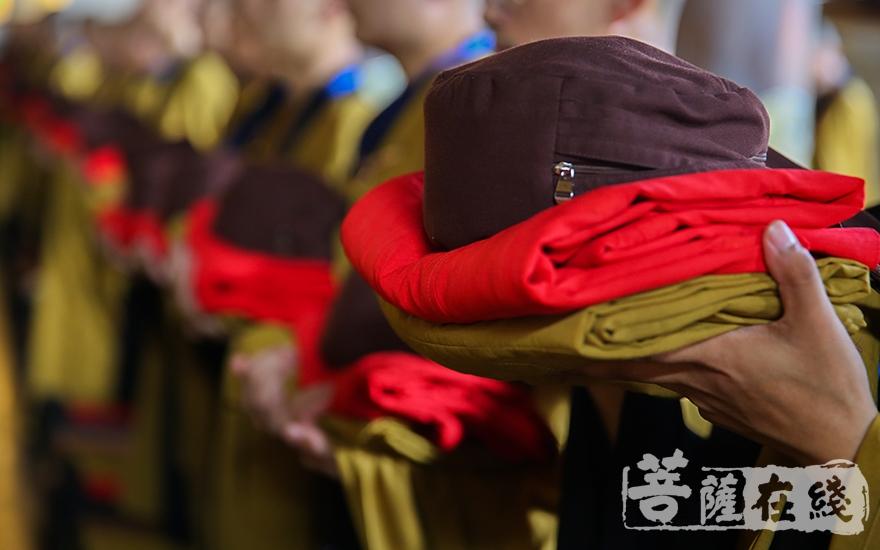 衣缽(圖片來源:菩薩在線 攝影:唐雪鳳)