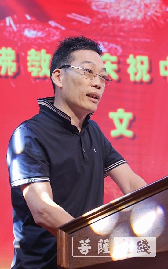 杜小荃希望大家要坚持佛教中国化方向,主动与社会主义社会相适应(图片来源:菩萨在线 摄影:唐雪凤)